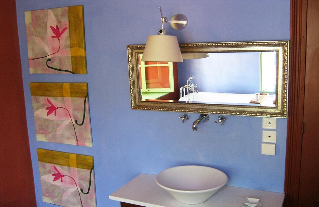 blue-suite-sink