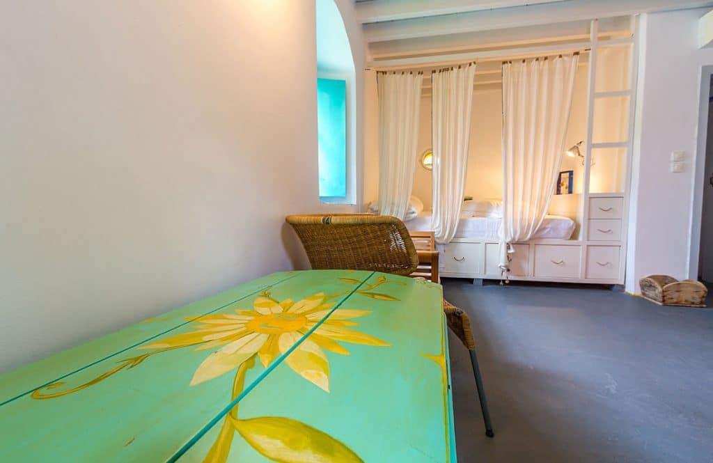 white-suite-03