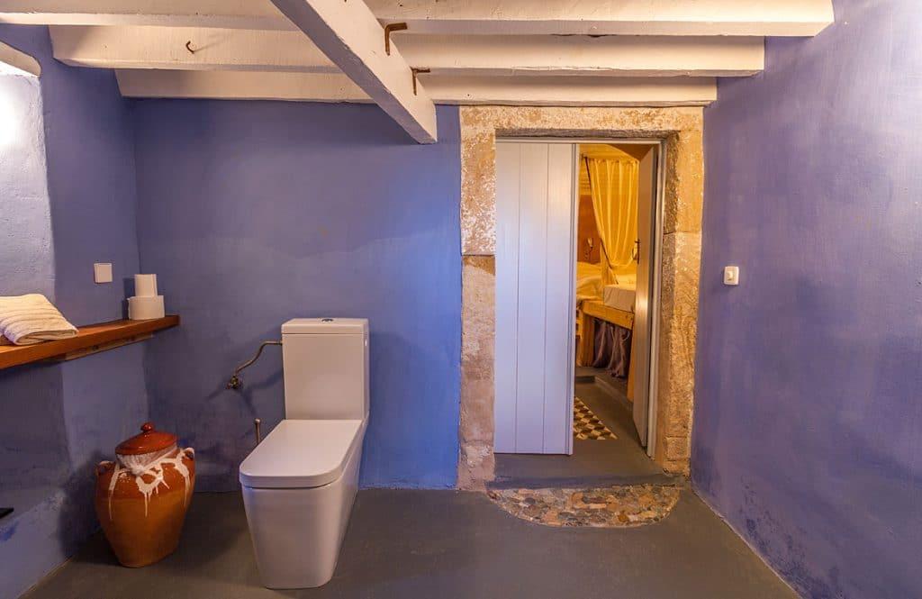 yellow-suite
